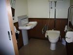 多目的トイレ( おむつ替えベッド完備)